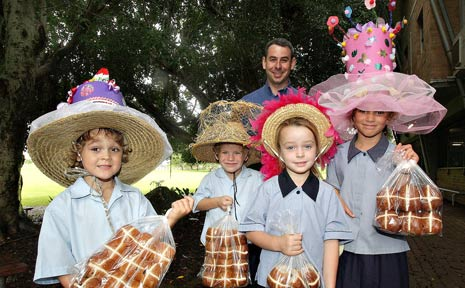 Coles Mullilumbah manager Brendan Williams joins Mt St Patrick Primary School students Oliver Parsons 5, Mcaully Wells 6, Ella Buch 5, Sharley Morosin 7 with their awesome Easter creations.
