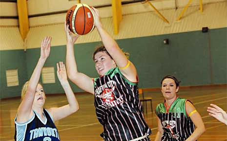 Emma Kopcikas top scored for the Vikings with 19 points against Tamworth on Saturday.