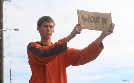 Dee Worland has been standing on a busy Tweed road for three days to let people know he needs work.