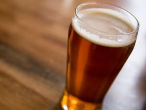 Drunk Casino man throws schooner of beer at publican