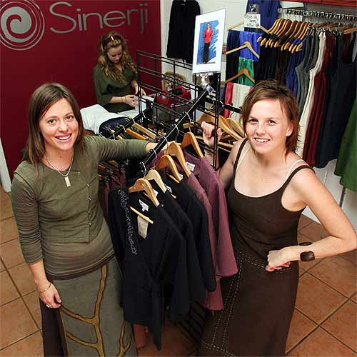 n23282a Sinerji co-owners Louise Visser and Alice Jones bring organic options to the clothes retail market. Photo: Darryn Smith/n23282a