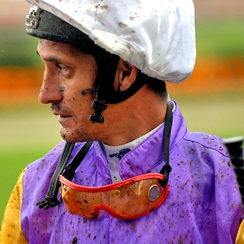 Ken Pope got a face full of mud after his ride at Corbould Park, Caloundra Photo: Warren Lynam/166412