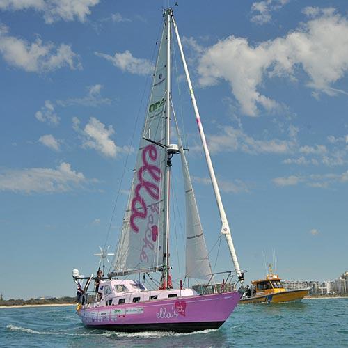 Jessica Watson sets sail on her solo voyage on September 8, 2009. Photo: Brett Wortman