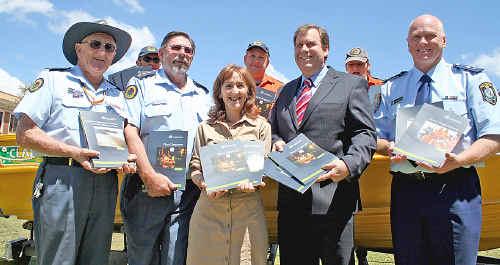 Lindsay Matterson, Stuart Ferguson, Janelle Saffin, Robert McClelland and Bruce Lyons launching the flood manual.
