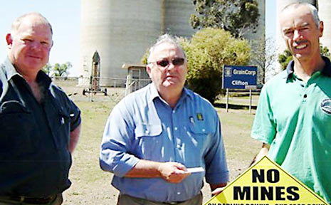 Visiting the Cecil Plains silo are (from left) grain drive co-ordinator John Gilmour, Graincorp operations manager Pat Sullivan and Friends of Felton president Rob McCreath.
