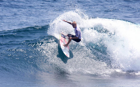 Garrett Parkes on his way to winning the Billabong Cloud 9 Invitational in the Philippines last week.