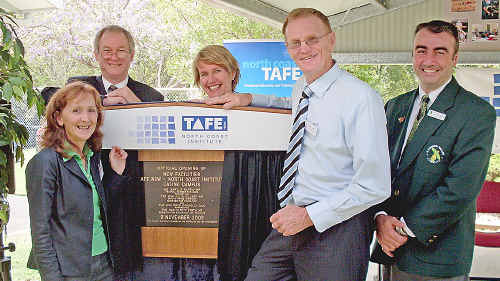 At the opening of the Casino TAFE trade centre were Oage MP Janelle Saffin, Duty MLC Greg Donnelly, Director of TAFE NSW North Coast institute, Elizabeth McGregor, Clarence MP Steve Cansdell and Richmond Valley Council Deputy Mayor Stuart George.