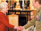 VC hero has tea with Queen