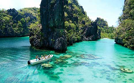 The limestone coasts of Palawan feature amazing natural formations.