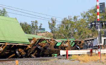 North and southbound lanes of the main coastal rail line remain closed at Raglan after a train carrying fruit was derailed yesterday afternoon.