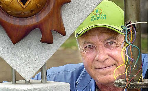 Hervey Bay artist Jorge Pujol has been awarded an $18,000 grant for Art for Earth. 09h2474a