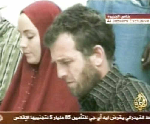 Canadian journalist Amanda Lindhout and Australian photojournalist Nigel Brennan were kidnapped by Somalian insurgents in 2008.