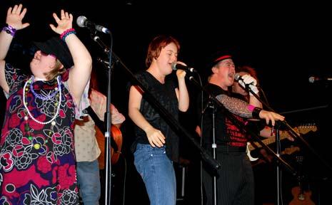 Washington plays the Mullum Music Festival, Mullumbimby Ex Services Club, at 10pm Friday night.