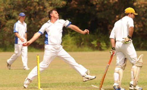 Tucabia Blue's Greg Mears took three vital Harwood wickets.