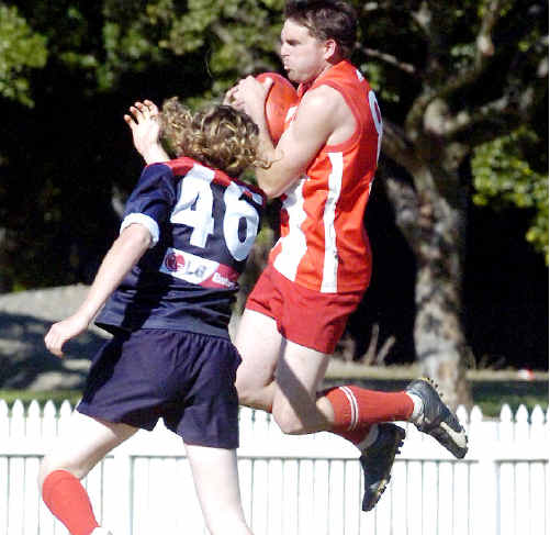 Action from a Lismore v Nimbin game in the Summerland Australian Football League. A team from Coolangatta-Tweed Heads will enter the competition in 2010.