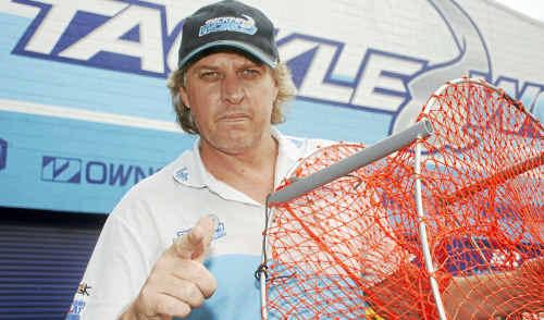 "Tackleworld Bundaberg manager Ben Shorten says ""share farming"" of crab pots is ""rampant""."