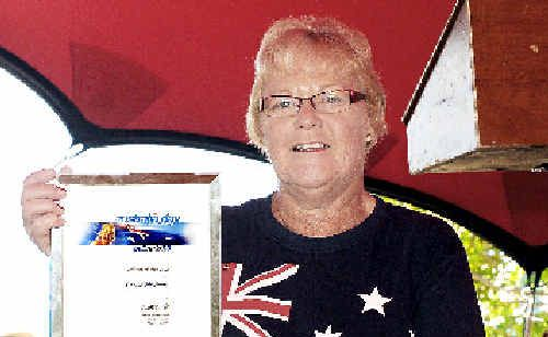 Ros Mayberry recieves award
