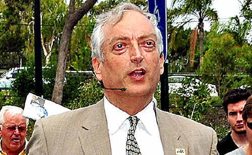 Lord Monckton addresses about 200 people who could not get into The J centre at Noosa.