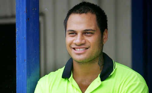 Sydneysider Josh Bishop has been signed to the Comets for the 2010 season after being released by the Bulldogs.