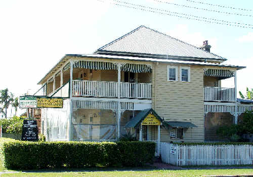 An auction of Ballina's historic Riversleigh Guest House failed to attract a bid on Saturday.