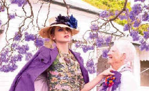 Model Daria strikes up a conversation with a local in a photo published in the March edition of Marie Claire Australia Magazine. More photos in Unwind.