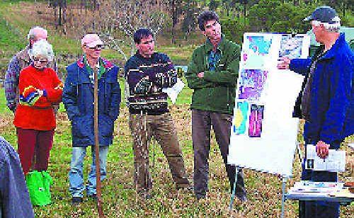 Landholders learn about soil carbon at a Dorrigo workshop.
