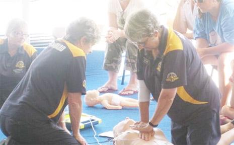 LIFE-SAVING TECHNIQUE: Ballina coast guard volunteer Lorraine Leuckel (left) instructs a CPR training workshop at the Ballina Beach Village, South Ballina, last Sunday.