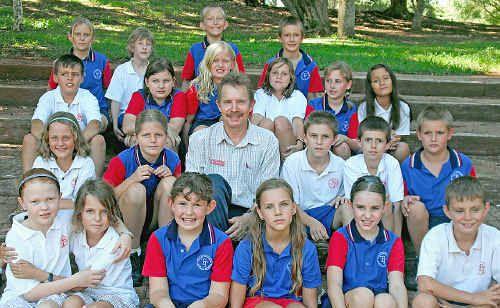 Bert Berghuis with students from Teven Tintenbar Public School at his farewell.