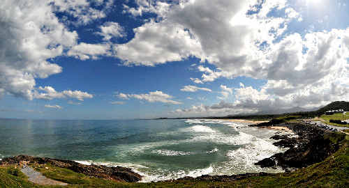 The variable weather conditions over Gallows Beach yesterday will continue into the weekend.