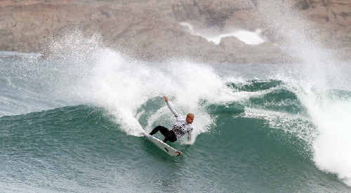 Big pay day: Lennox Head surfer Stuart Kennedy on his way to winning the WQS Cold Water Classic in Tasmania.
