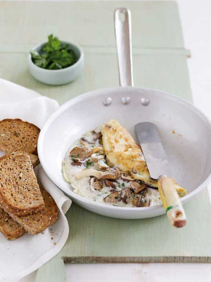 Egg-white omelettes with garlic mushrooms by Michelle Bridges.