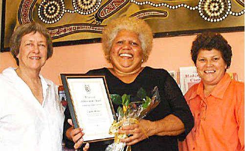 Zonta member Jeni Binns, award recipient Laural Moran and club president Rosalie Kennedy.