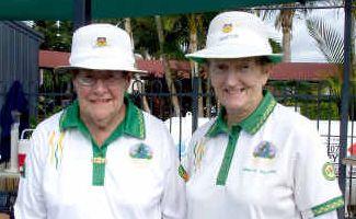 Grinning winner: Grafton 2010 singles champion Dawn Rapley (left) with runner-up Annette Williams.