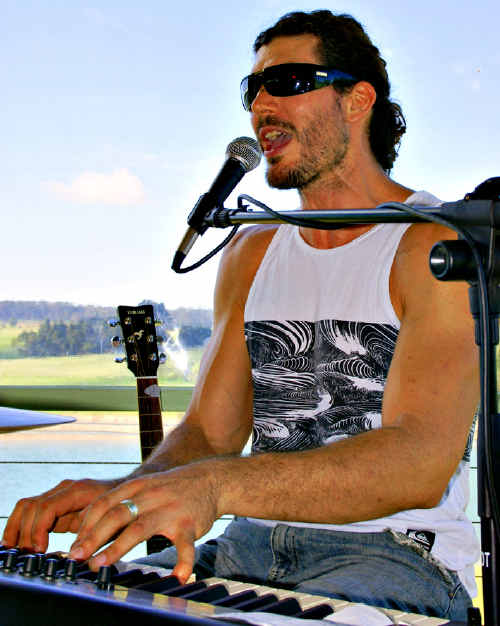 Adrian Keys will be in Gympie tonight performing at the Royal Hotel. The one man band will create a whole band feel.