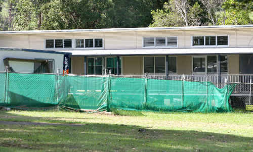 Lismore MP Thomas George used a building bungle at Tyalgum Public School in his inquiry submission.