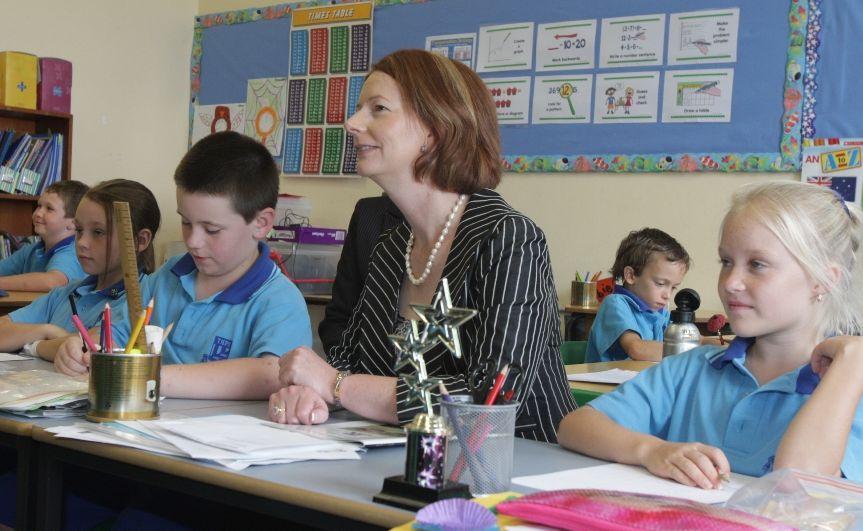 Julia Gillard visits students at Tweed Heads Public School.