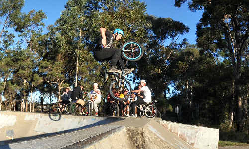 More groups have come forward to complain about the behaviour of youths who congregate around Toormina skatepark.