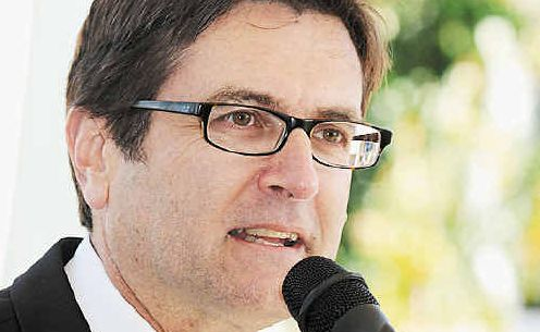 Mouthful: Greg Combet, Minister Assisting the Minister for Climate Change and Energy Efficiency, and Minister for Defence Material and Science, was in Casino yesterday.