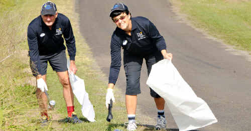 John and Lou Carothers are doing their bit to help keep Australia beautiful – by taking part in the adopt-a-road program in their area.