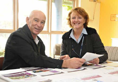 ClimateSmart Business Cluster Leader Rob Absalom and Gympie Regional Council Economic Development Officer Lynne Wilbraham encourage businesses to attend a ClimateSmart forum.