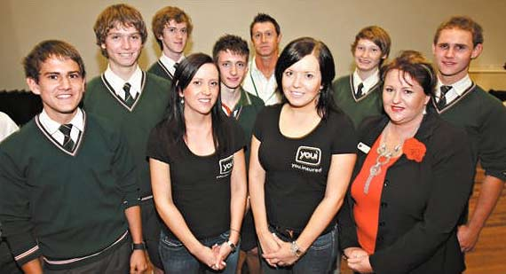 Emma Millen and Gillian Sorbello from Youi, Lisa Leranrdi from Quattro and Lee Shea from QUIL, rear, with some NCC students.