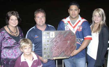 Lloyd House's children, Shannon Josefski, Darcy House and Kody House, left, with Brothers reserves captain Russell Groth and Calliope Roosters captain Alex Busby, right.