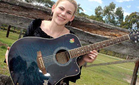 Amanda Halloran will perform tomorrow at Farm Fantastic.