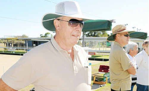 Senior Vice President of Moore Park Bowls, Alvin Strowger at the barefoot bowls fun day.