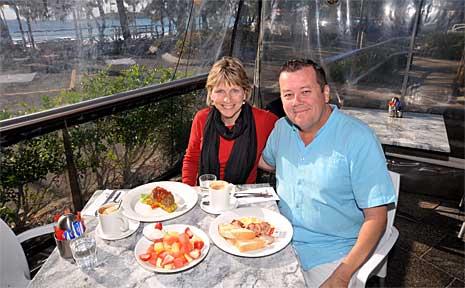 Judi and Mark McLean-Jones enjoy breakfast at Hot Pipis.