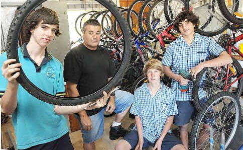 Rod Holt with students Joel Edyvean, Levi Piddington and Jayden Harvey.