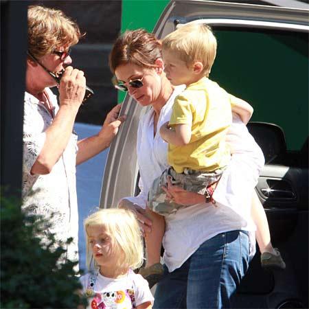 Julia Roberts and family.