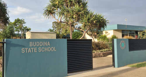 Problems have dogged a Buddina State School project and Jarrod Bleijie wants the government to pay for them.