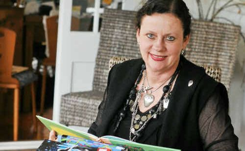 Gladstone writing and publishing consultant Dr Robyn Sheahan-Bright has been honoured with the role of chair of the Children's and Young Adults Fiction panel in the 2010 Prime Minister's Literary Awards.