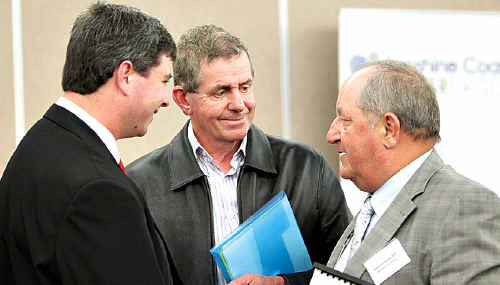 ALP candidate for Fairfax Dan McIntyre, Member for Fisher Peter Slipper and Member for Fairfax Alex Somlyay chat at last night's business forum at the Maroochydore RSL.